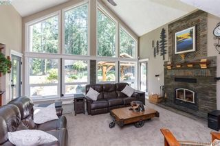 Photo 6: 672 Stewart Mountain Rd in VICTORIA: Hi Eastern Highlands House for sale (Highlands)  : MLS®# 816219