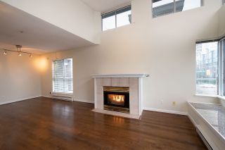"""Photo 2: 12 1386 W 6TH Avenue in Vancouver: Fairview VW Condo for sale in """"NOTTINGHAM"""" (Vancouver West)  : MLS®# R2423397"""