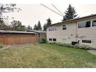 Photo 18: 6135 LONGMOOR Way SW in Calgary: Bi-Level for sale : MLS®# C3584023