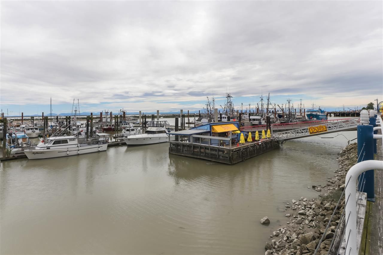 "Main Photo: 206 4111 BAYVIEW Street in Richmond: Steveston South Condo for sale in ""THE VILLAGE"" : MLS®# R2535577"