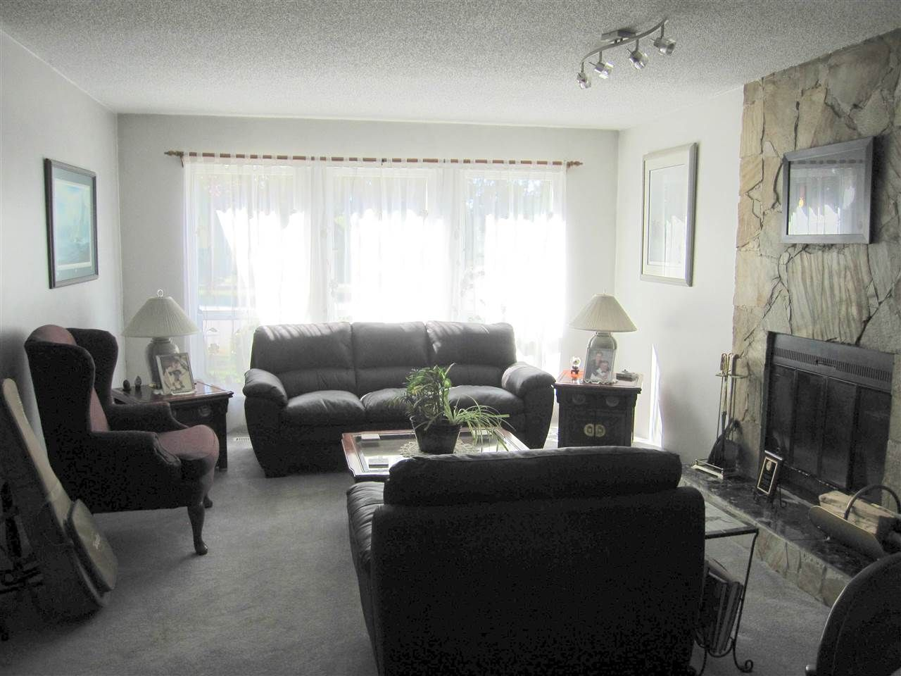 Photo 2: Photos: 21155 CUTLER Place in Maple Ridge: Southwest Maple Ridge House for sale : MLS®# R2101980
