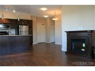 Photo 4: 302 2220 Sooke Rd in VICTORIA: Co Hatley Park Condo for sale (Colwood)  : MLS®# 482680