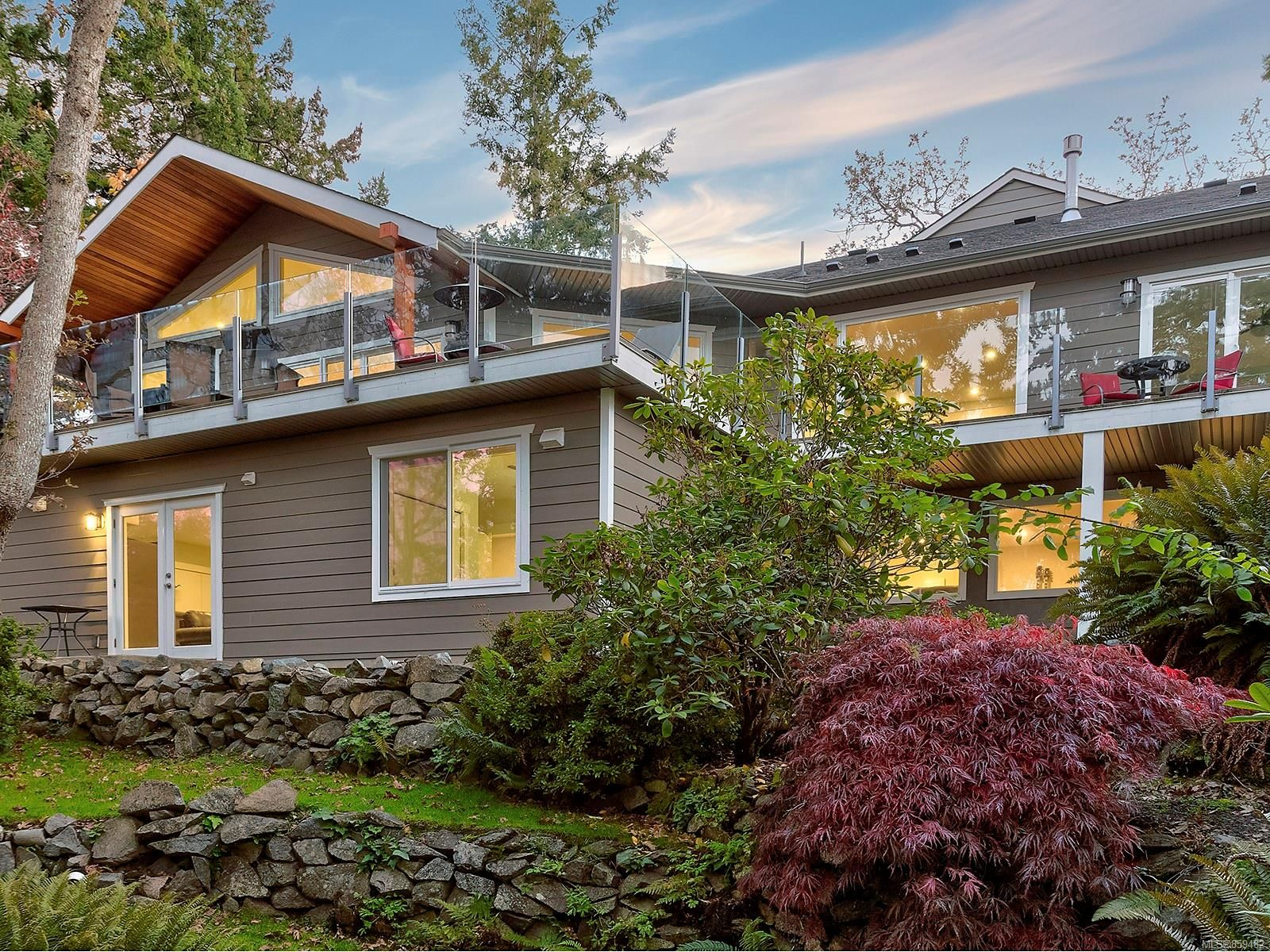 Photo 12: Photos: 4086 Monarch Pl in : SE Arbutus House for sale (Saanich East)  : MLS®# 859482
