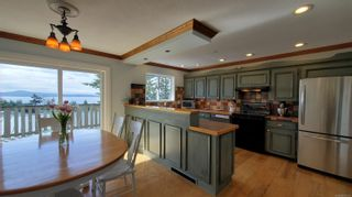 Photo 7: 3703 Signal Hill Rd in : GI Pender Island House for sale (Gulf Islands)  : MLS®# 870335