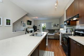 """Photo 8: 38 19572 FRASER Way in Pitt Meadows: South Meadows Townhouse for sale in """"COHO II"""" : MLS®# R2192091"""