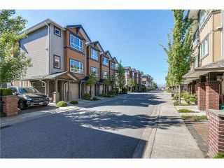"""Photo 3: 16 9420 FERNDALE Road in Richmond: McLennan North Townhouse for sale in """"SPRINGLEAF"""" : MLS®# R2537148"""