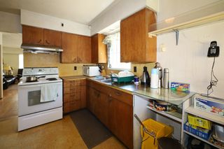 Photo 3: 3605 MARSHALL Street in Vancouver: Grandview Woodland House for sale (Vancouver East)  : MLS®# R2613055