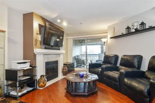 """Photo 2: 302 19528 FRASER Highway in Langley: Cloverdale BC Condo for sale in """"Fairmont"""" (Cloverdale)  : MLS®# R2554897"""