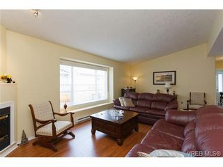 Photo 3: 57 7570 Tetayut Rd in SAANICHTON: CS Hawthorne Manufactured Home for sale (Central Saanich)  : MLS®# 652718