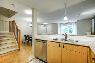"""Photo 9: 58 7488 SOUTHWYNDE Avenue in Burnaby: South Slope Townhouse for sale in """"LEDGESTONE 1"""" (Burnaby South)  : MLS®# R2387112"""