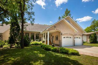 Photo 1: 662 McIvor Avenue in Winnipeg: North Kildonan Residential for sale (3G)  : MLS®# 202118378