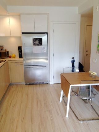 Photo 7: 415 111 E 3RD STREET in North Vancouver: Lower Lonsdale Condo for sale : MLS®# R2078516