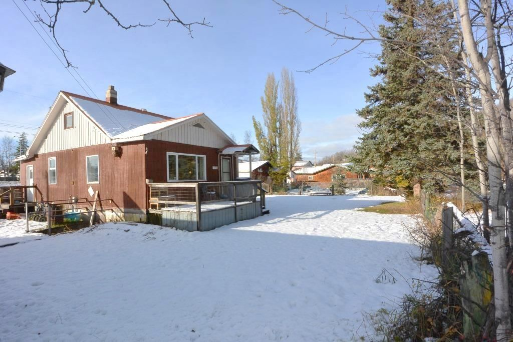 Main Photo: 1672 3RD Street: Telkwa House for sale (Smithers And Area (Zone 54))  : MLS®# R2416128