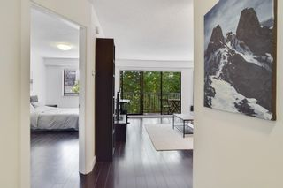 "Photo 4: 301 1950 W 8TH Avenue in Vancouver: Kitsilano Condo for sale in ""MARQUIS MANOR"" (Vancouver West)  : MLS®# R2606307"