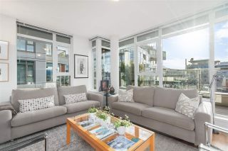 """Photo 8: PH5 250 E 6TH Avenue in Vancouver: Mount Pleasant VE Condo for sale in """"DISTRICT"""" (Vancouver East)  : MLS®# R2564875"""