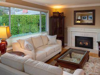 Photo 8: 2084 Windsor Rd in VICTORIA: OB South Oak Bay House for sale (Oak Bay)  : MLS®# 813554