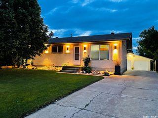 Photo 3: 330 Forrester Road in Saskatoon: Fairhaven Residential for sale : MLS®# SK870778