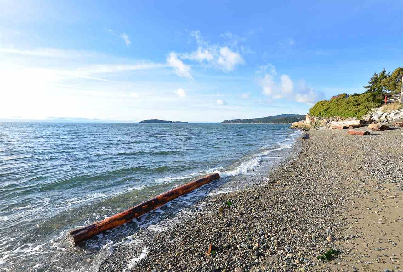 Main Photo: 5411 SELMA PARK Road in Sechelt: Sechelt District House for sale (Sunshine Coast)  : MLS®# R2525780