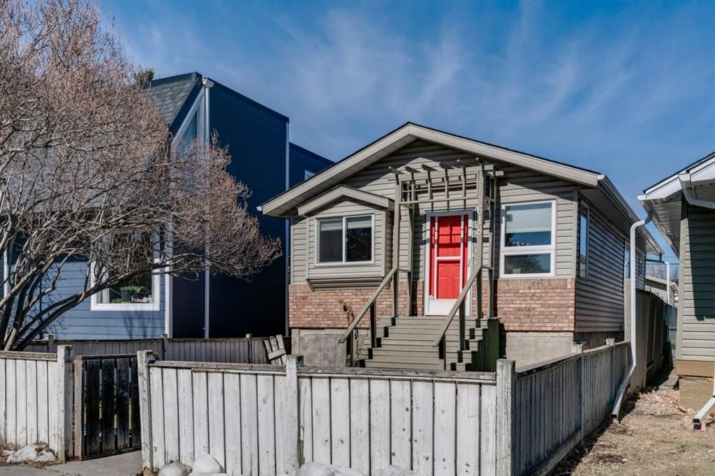 Main Photo: 618 12 Avenue NE in Calgary: Renfrew Detached for sale : MLS®# A1081491