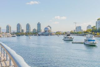 """Photo 39: 805 980 COOPERAGE Way in Vancouver: Yaletown Condo for sale in """"COOPERS POINTE by Concord Pacific"""" (Vancouver West)  : MLS®# R2614161"""