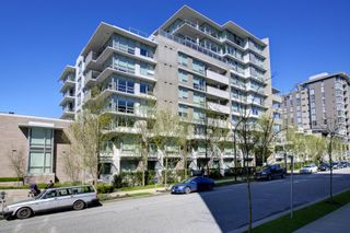 """Main Photo: 2370 PINE Street in Vancouver: Fairview VW Townhouse for sale in """"CAMERA"""" (Vancouver West)  : MLS®# V1018860"""
