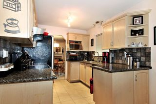 """Photo 2: 15 1973 WINFIELD Drive in Abbotsford: Abbotsford East Townhouse for sale in """"BELMONT RIDGE"""" : MLS®# R2327663"""