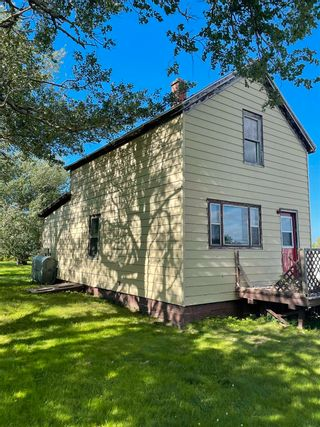 Photo 1: 112 holland Street in Reserve Mines: 203-Glace Bay Residential for sale (Cape Breton)  : MLS®# 202120364