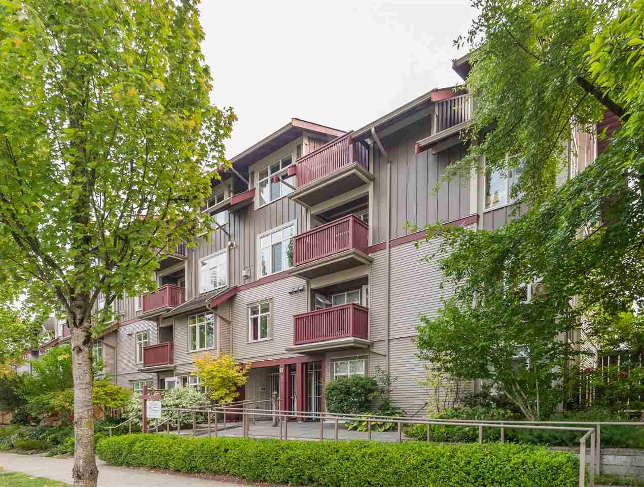 """Main Photo: 106 4272 ALBERT Street in Burnaby: Vancouver Heights Townhouse for sale in """"Cranberry Commons"""" (Burnaby North)  : MLS®# R2583514"""