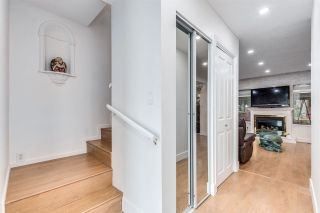 """Photo 7: 4687 GARDEN GROVE Drive in Burnaby: Greentree Village Townhouse for sale in """"Greentree Village"""" (Burnaby South)  : MLS®# R2589721"""