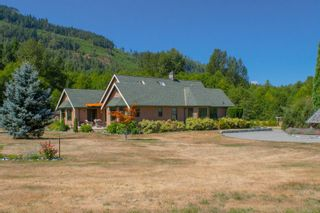 Photo 4: 3775 Mountain Rd in : ML Cobble Hill House for sale (Malahat & Area)  : MLS®# 886261