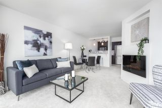 """Photo 1: 305 5 K DE K Court in New Westminster: Quay Condo for sale in """"Quayside Terrace"""" : MLS®# R2366534"""