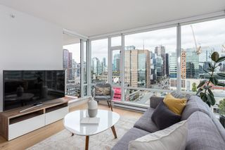 Photo 3: 2210 161 W GEORGIA Street in Vancouver: Downtown VW Condo for sale (Vancouver West)  : MLS®# R2618014