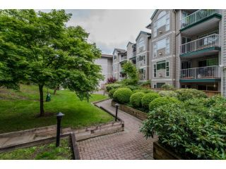 """Photo 2: 202 2963 NELSON Place in Abbotsford: Central Abbotsford Condo for sale in """"Bramblewoods"""" : MLS®# R2071710"""