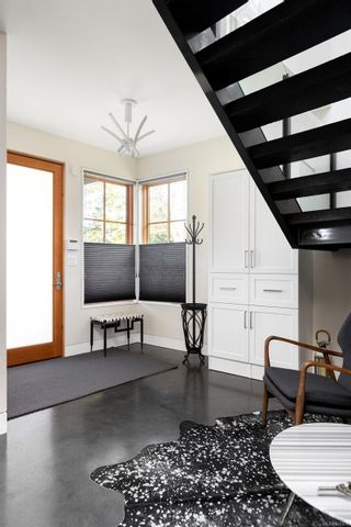 Photo 12: 2001 Runnymede Ave in Victoria: Vi Fairfield East House for sale : MLS®# 865939