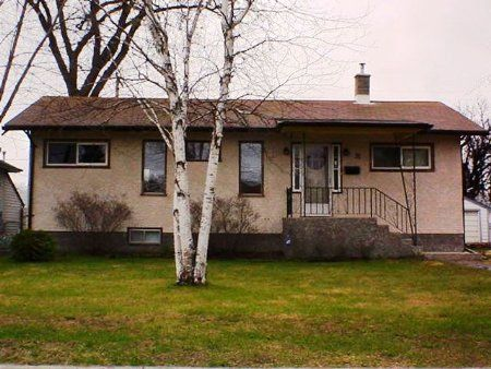 Main Photo: 31 West Fernwood Avenue: Residential for sale (St. Vital)  : MLS®# 2506003