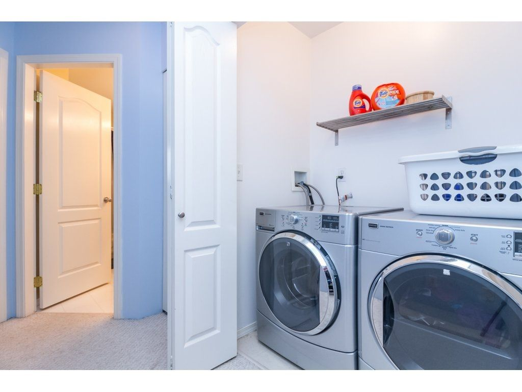 """Photo 19: Photos: 18479 66A Avenue in Surrey: Cloverdale BC House for sale in """"Heartland"""" (Cloverdale)  : MLS®# R2095726"""