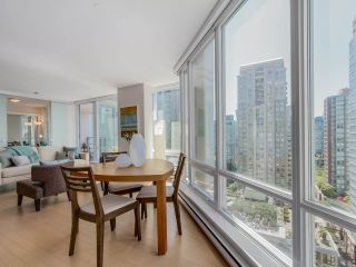 "Photo 7: 1507 535 SMITHE Street in Vancouver: Downtown VW Condo for sale in ""DOLCE AT SYMPHONY PLACE"" (Vancouver West)  : MLS®# R2065193"