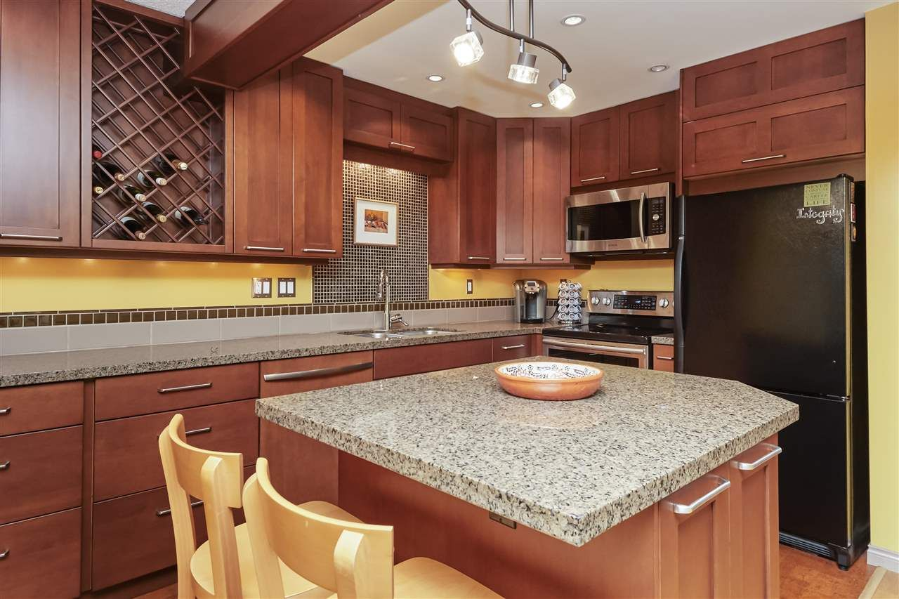 Photo 9: Photos: 7360 TOBA PLACE in Vancouver: Champlain Heights Townhouse for sale (Vancouver East)  : MLS®# R2430087