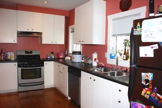 Photo 5: 3641 ADANAC Street in Vancouver: Renfrew VE House for sale (Vancouver East)  : MLS®# R2441963