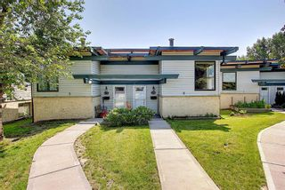 Photo 1: 13A 333 Braxton Place SW in Calgary: Braeside Semi Detached for sale : MLS®# A1129148