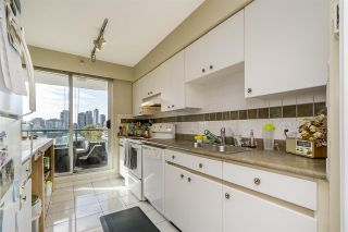 """Photo 7: 401 888 HAMILTON Street in Vancouver: Downtown VW Condo for sale in """"ROSEDALE GARDEN"""" (Vancouver West)  : MLS®# R2215482"""