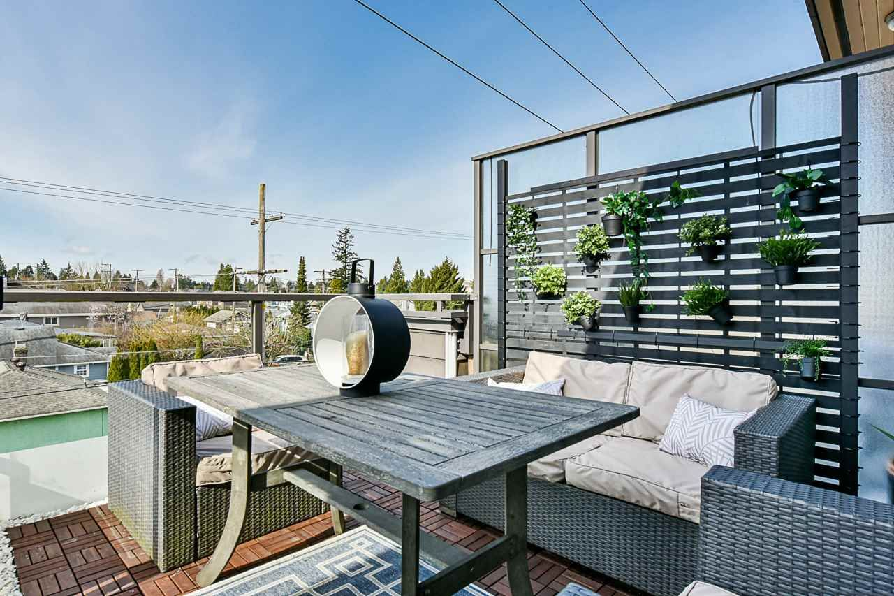 """Main Photo: 418 85 EIGHTH Avenue in New Westminster: GlenBrooke North Condo for sale in """"Eight West"""" : MLS®# R2562144"""