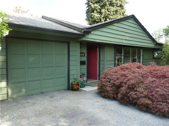 Main Photo: 1218 ROSEWOOD Crescent in North Vancouver: Norgate House for sale : MLS®# V1066452