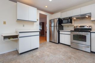 Photo 13: 3 10101 Fifth St in Sidney: Si Sidney North-East Row/Townhouse for sale : MLS®# 860151