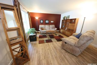 Photo 8: 212 Tremaine Avenue in Regina: Walsh Acres Residential for sale : MLS®# SK858698