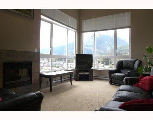 "Main Photo: 401 40437 TANTALUS Road in Squamish: Garibaldi Estates Condo for sale in ""THE SPECTACLE"" : MLS®# V686624"