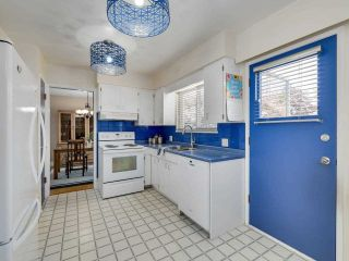 """Photo 10: 3583 W 50TH Avenue in Vancouver: Southlands House for sale in """"SOUTHLANDS"""" (Vancouver West)  : MLS®# R2580864"""