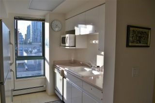 """Photo 7: 1005 212 DAVIE Street in Vancouver: Yaletown Condo for sale in """"PARKVIEW GARDENS"""" (Vancouver West)  : MLS®# R2101193"""