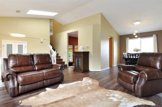 Photo 3: 1301 DAIMLER Street in Coquitlam: Canyon Springs House for sale : MLS®# R2568228