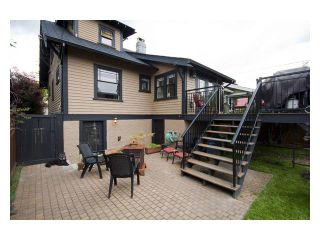 """Photo 7: 2356 CHARLES Street in Vancouver: Grandview VE House for sale in """"COMMERCIAL DRIVE"""" (Vancouver East)  : MLS®# V826451"""